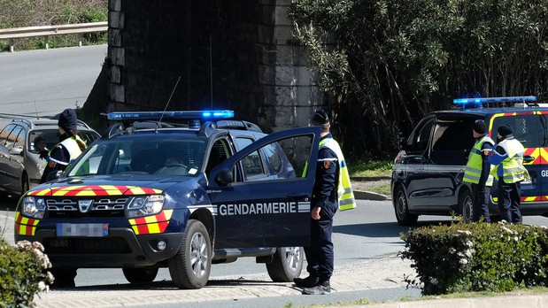 Policeman who swapped places with hostage dies — Trèbes supermarket attack
