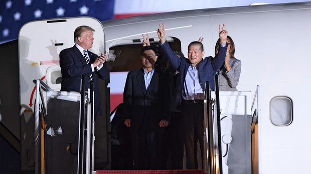 Trump welcomes freed U.S. prisoners from North Korea