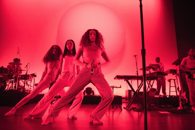 "Solange's live performance gave our feelings behind ""A Seat At The Table"" direction, somewhere to escape the traps of our bodies and minds."
