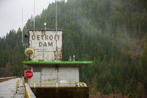 The Detroit Dam in March 2017. The U.S. Army Corps of Engineers has proposed building a 300-foot tower at the dam to improve water temperature and fish passage for salmon and steelhead.