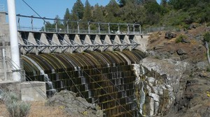 Copco dam, on the upper Klamath River, is one of four PacifiCorp dams slated for removal.