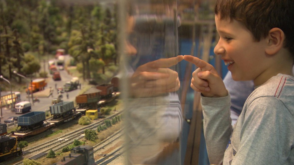 Honey, I Shrunk The Gorge! Model Railroad Re-Creates Iconic