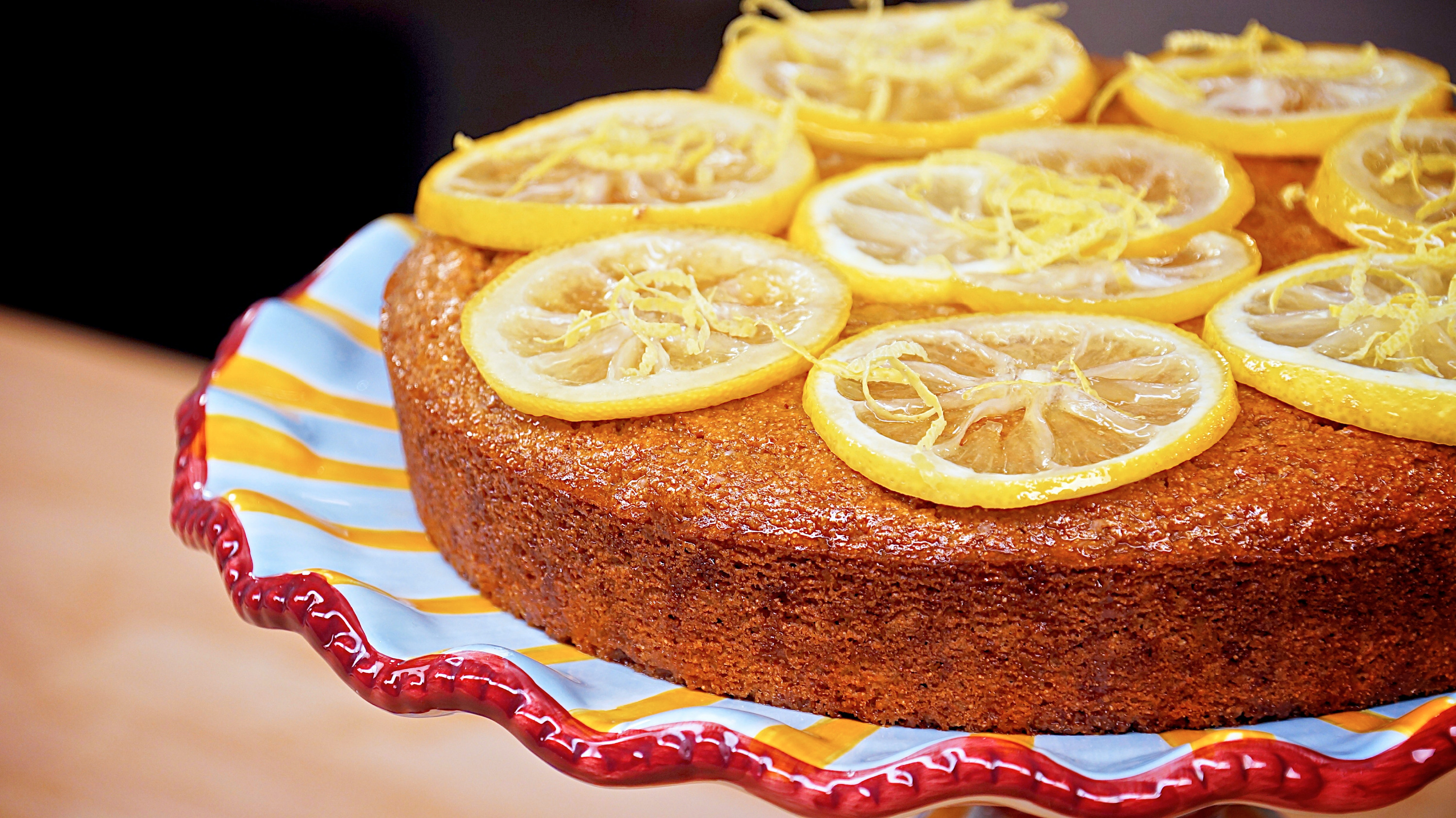 Jazzy Vegetarian Lemon Cake